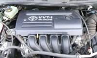 トヨタの名機エンジンの1ZZ-FEと2ZZ-GEの違いと搭載車種について