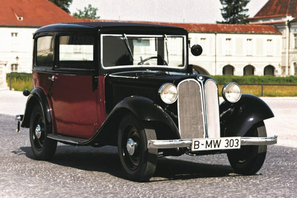 キドニーグリルを初めて採用したBMW 303サルーン(1933年式)