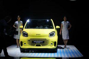 スマート新型EV「EQフォーツー」が東京モーターショー2019に出展!ガソリンモデルは廃止へ