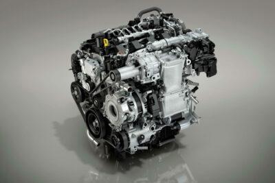 【新型マツダCX-30 エンジンスペック・燃費総まとめ】SKYACTIV-X搭載車の発売はいつ?
