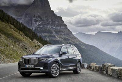 新型BMW X7発表!ハンズ・オフ対応の7人乗りSUV登場