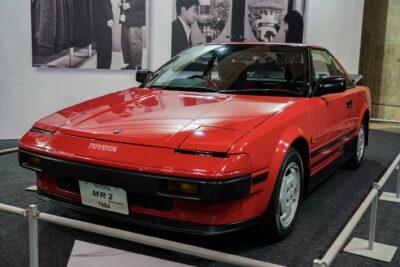 【トヨタMR2初代AW11型】国産初のミッドシップが愛された理由とは?