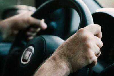 迷惑&邪魔?サンデードライバーの特徴や癖と対処法|見分けることはできる?