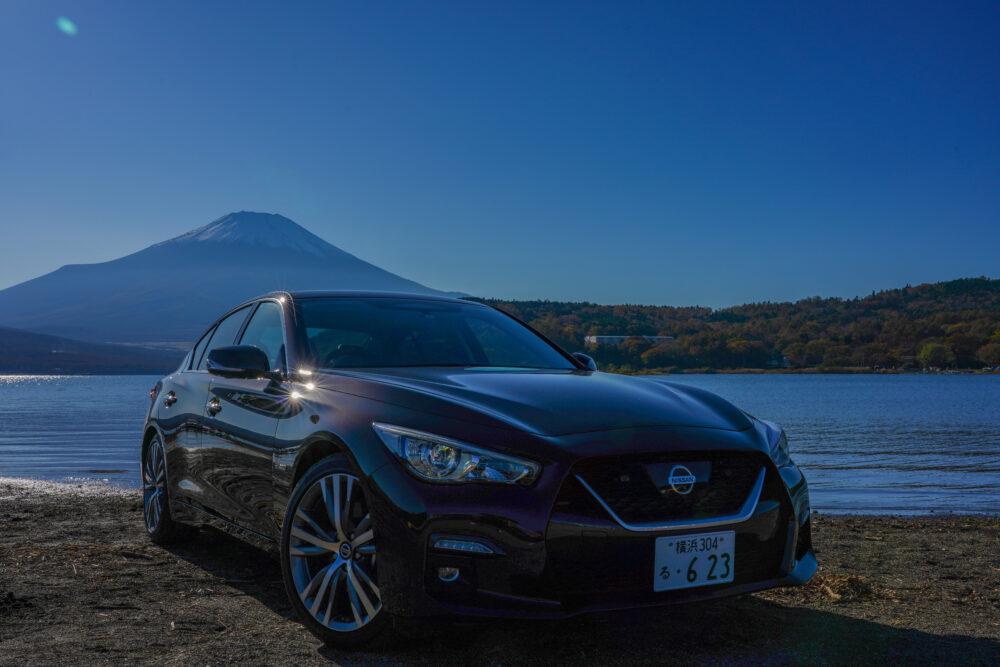 スカイライン GT Type SP ハイブリッド 2WD|富士山を背景