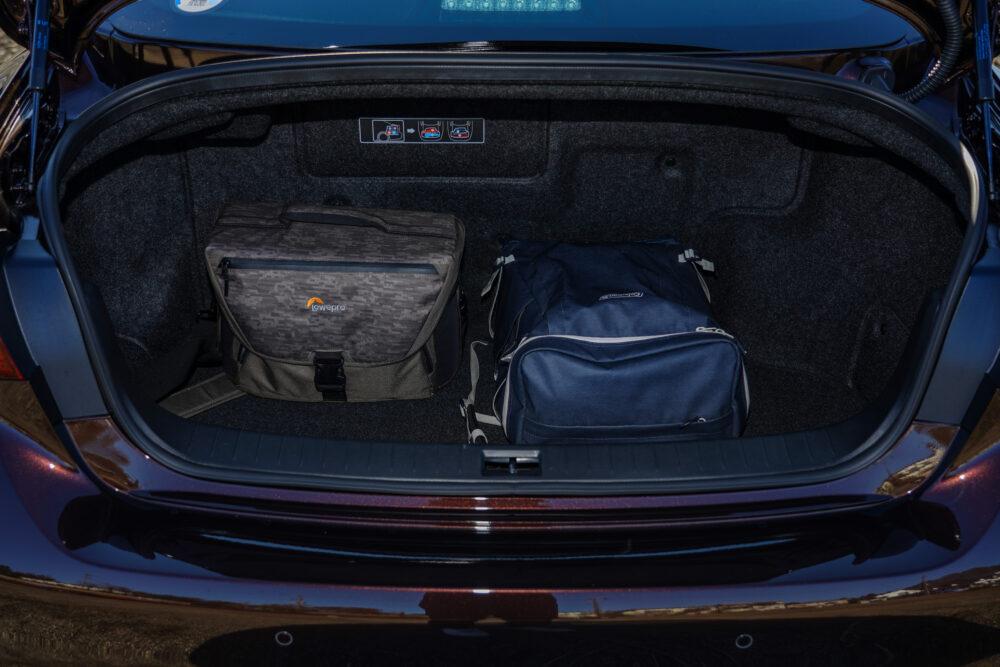 スカイライン GT Type SP ハイブリッド 2WD|トランク