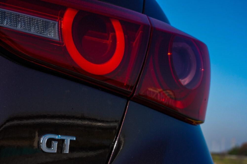 スカイライン GT Type SP ハイブリッド 2WD|エンブレム・テールランプ