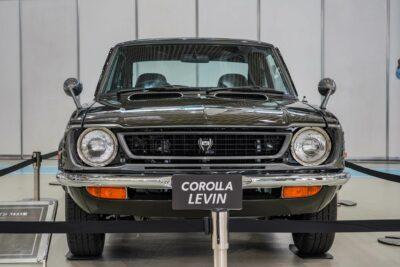 【トヨタ カローラ レビン(TE27型)】オーバーフェンダーを持つ初代走り屋