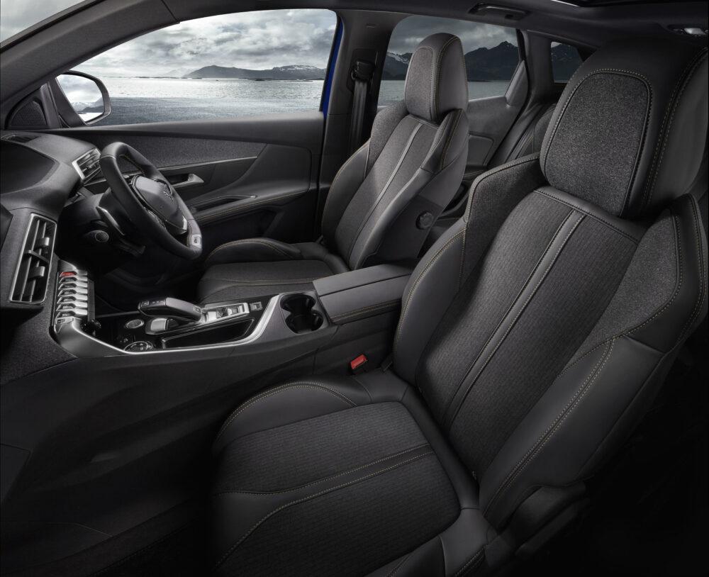 プジョー 3008 5008 特別仕様車 内装
