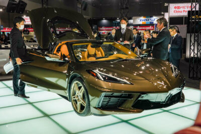 新型「シボレーコルベット」東京オートサロン2020で国内初公開|右ハンドル車投入も