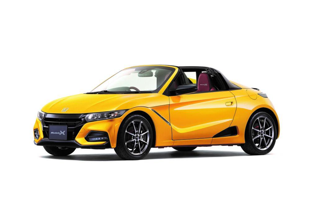 ホンダ新型S660 Modulo X  フロント(カーニバルイエローII)