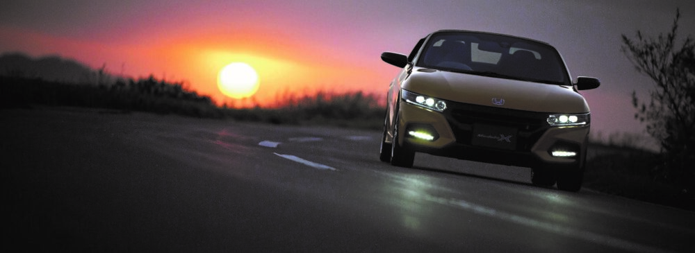 ホンダ新型S660 Modulo X オプション装着車(カーニバルイエローII)