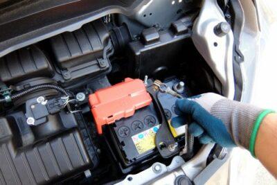 プリウスのバッテリー上がりの対処・予防・救援方法【絶対ダメ】ハイブリッドは他車の救援は厳禁!