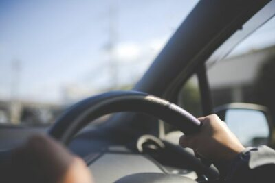 乗用車とは?意味・定義や種類とは?普通・小型・中型から軽自動車との違いを解説