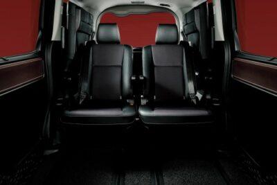 キャプテンシートとは?採用するSUVやミニバンとチャイルドシートの設置例も