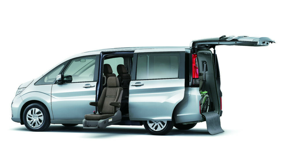 ホンダ ステップワゴン e:HEV サイドリフトアップシート車