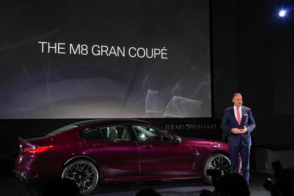 新型BMW M8 グラン クーペを披露するビー・エム・ダブリュー株式会社 代表取締役社長 クリスチャン・ヴィードマン氏。