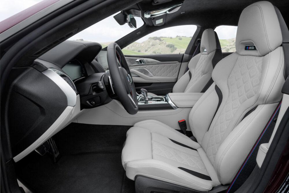 新型BMW M8 グラン クーペのフロントシート