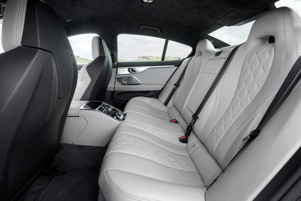 新型BMW M8 グラン クーペのリアシート