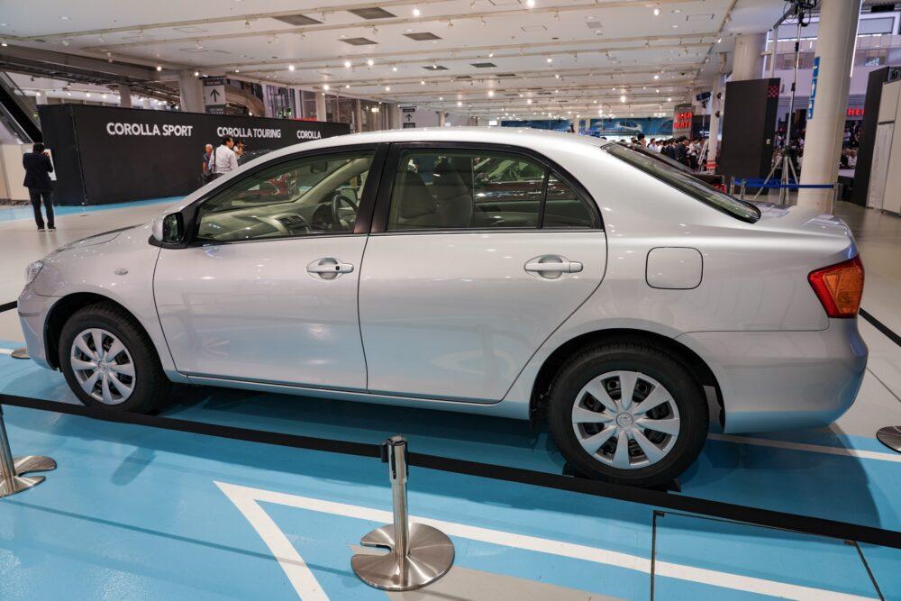 トヨタ カローラ アクシオ(140系) レフトサイド