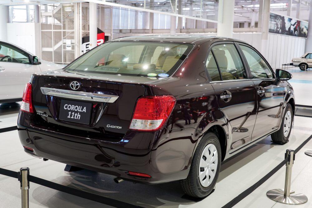 トヨタ カローラ アクシオ(E16系) リアサイド