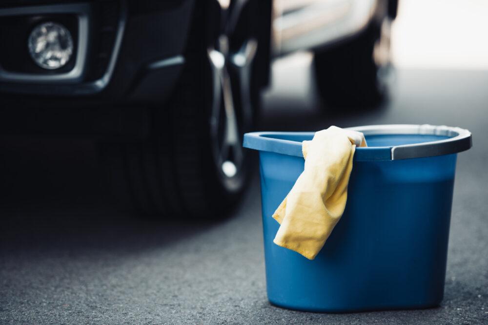 洗車に必要なバケツと洗車タオル