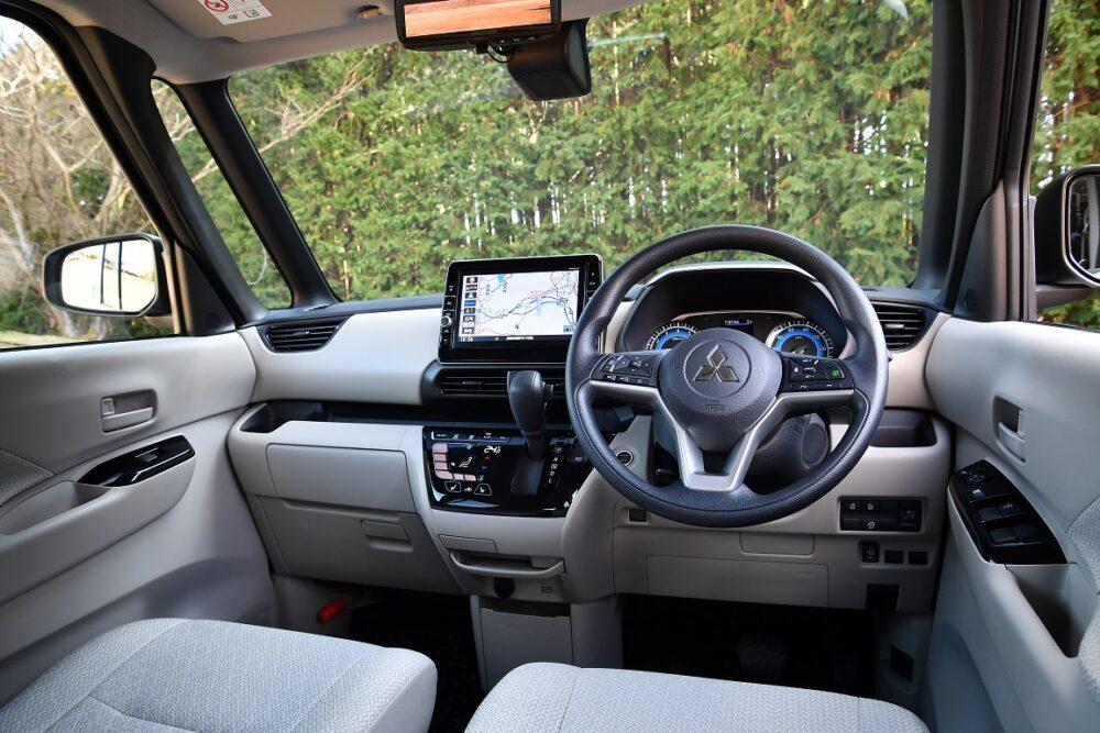 三菱新型三菱eKスペースのフロントインテリア