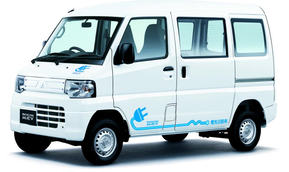 現行モデル発売年月日:2011年12月8日 新車価格:180万~219万円 画像は、CD 10.5kWh