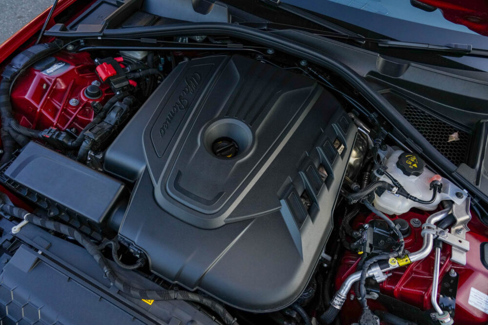 アルファロメオ ジュリア 2.2Lターボ・ディーゼルスーパーのエンジン。