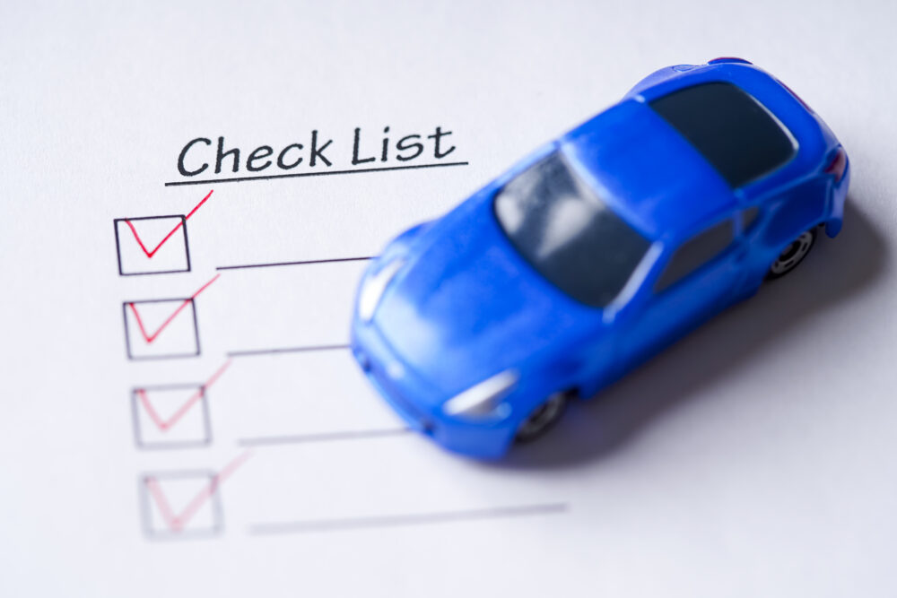 車とチェックリスト