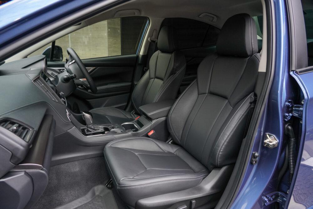 スバル インプレッサ G4のフロントシート