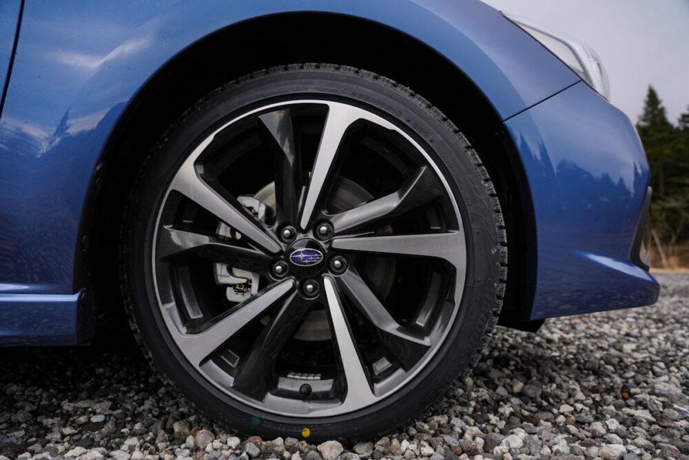 スバル インプレッサ G4 のタイヤ