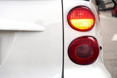 LEDウインカーが異常も無いのにハイフラ!原因&対策を紹介│防止抵抗の取り付け方も