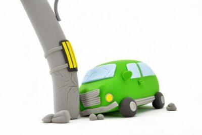【全損とは】車の全損事故の基準と車両保険での買い替えや修理について