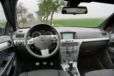 外車の左ハンドルって運転難しい?デメリット&メリットをまとめてみた