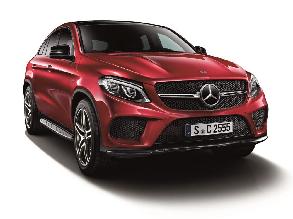 現行モデル発売年月日:2015年10月28日 新車価格:1,263万円 画像は、標準仕様
