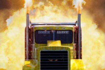 世界最速のトラックがヤバい!3万6千馬力の爆速モンスター!