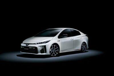 トヨタ新型プリウスPHV GRスポーツ発売!価格や性能、GRシリーズについても