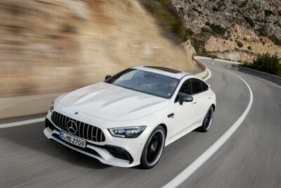 新型メルセデスAMG GTクーペ3月6日発表!スペックや発売日と価格を予想