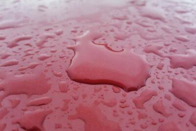 雨の日に洗車した方がいい?!割引などのメリットやデメリットについて