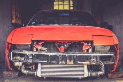 車のバンパーとは何のためのもの?交換や修理の費用についても