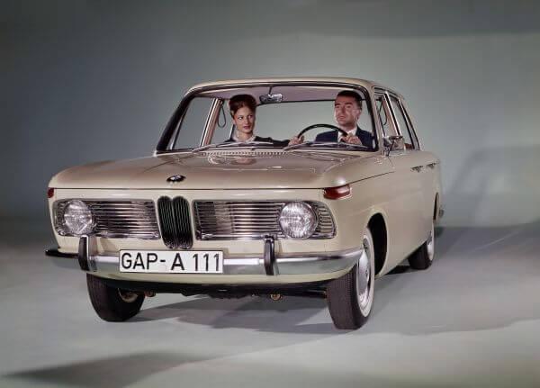BMW 1500 フロント サイド