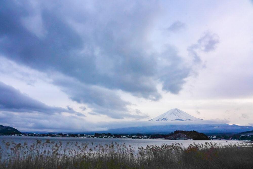 大石公園から望む富士山と河口湖