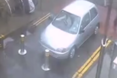 【バス以外絶対に通れない車止め】鉄壁のボラード挑む乗用車が次々と撃沈!一体なぜ?