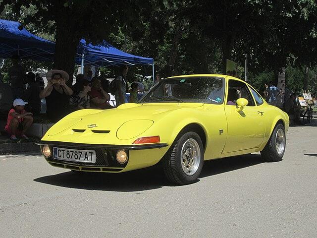 オペル GT フロント サイド