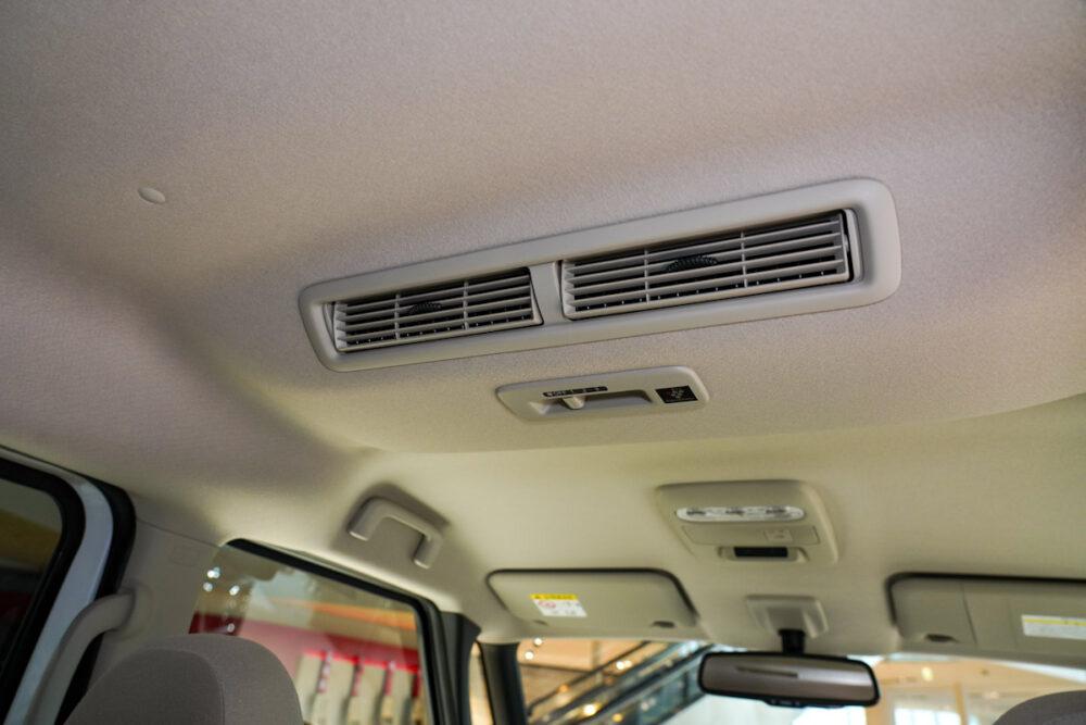 新型日産ルークスの天井部、エアコン吹き出し口