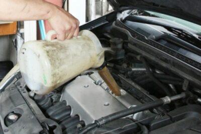 【エンジンオイルのグレード・規格・粘度とは】違う種類を混ぜても大丈夫?