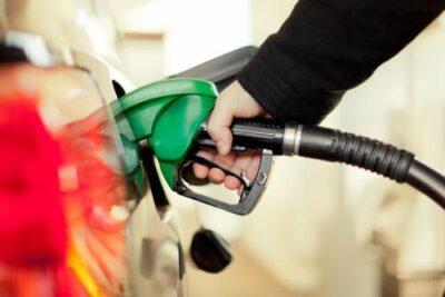 車検時の代車の返却時にガソリンは満タンにするべきか否か?