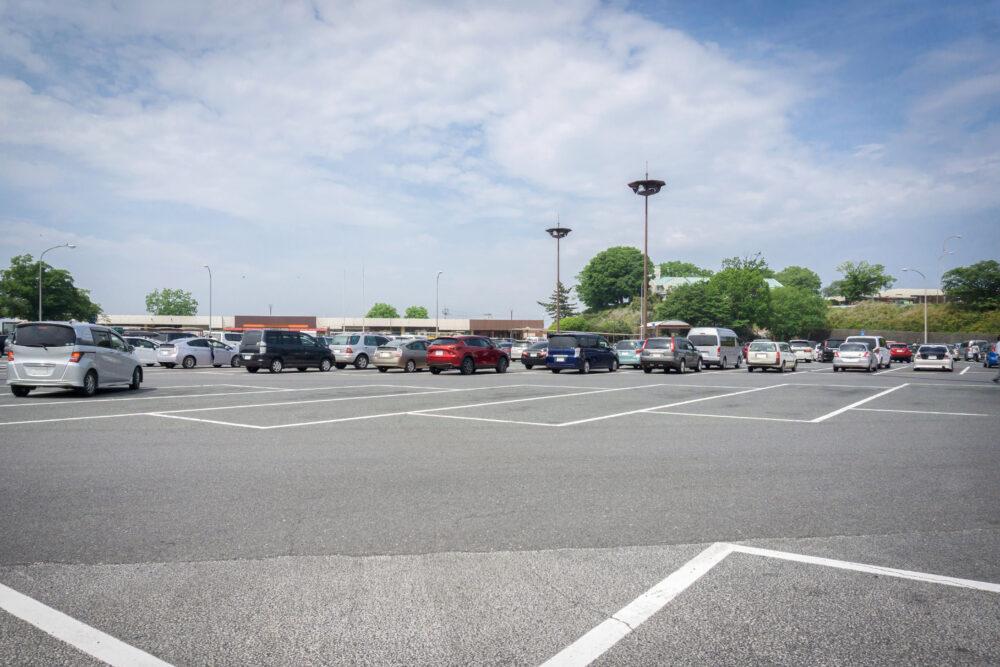 サービスエリア駐車場