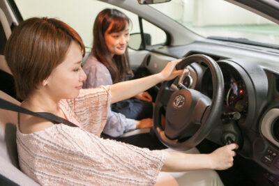 車好き女子っているの?車好き女子あるある&女子が欲しい人気車種10選!