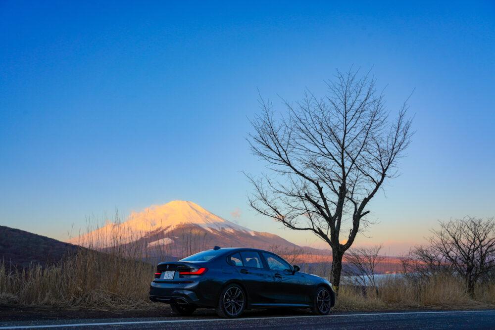 BMW M340i 富士山を背景